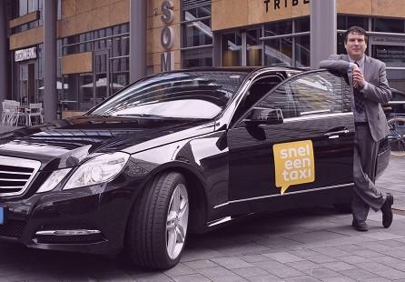 Taxi naar Klokgebouw